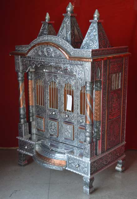 Four Door Alluminium Copper Oxodise Pillar Temple